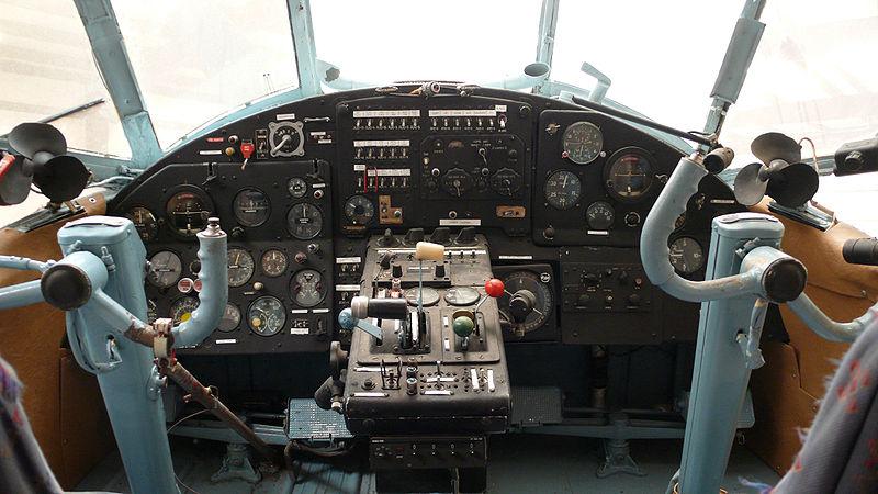 AN-2.A_cockpit