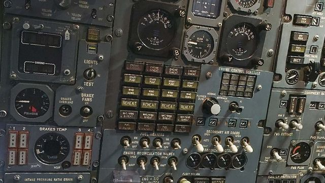 Concorde.EngineerPanel