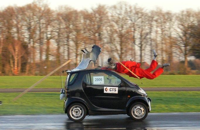 Most Useful Smart Car vs Truck Crash Test 682 x 443 · 106 kB · jpeg